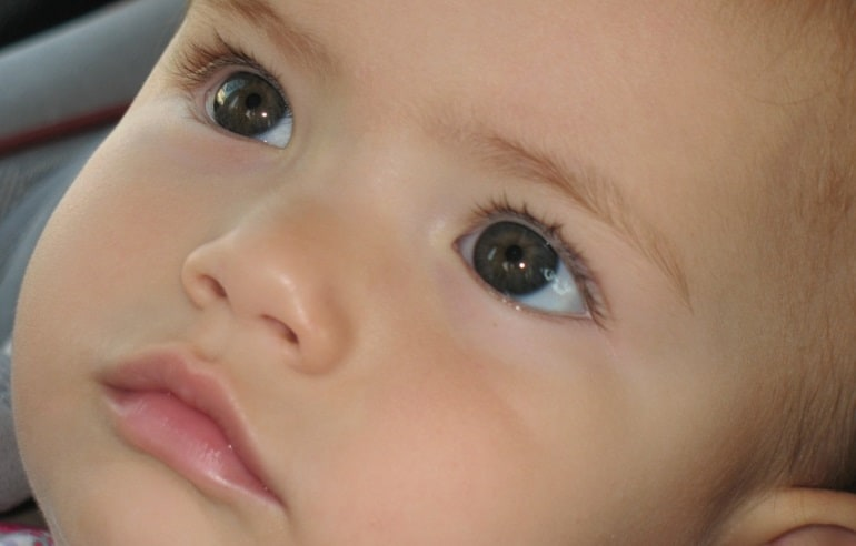 Nasensauger - Baby aus der Nähe