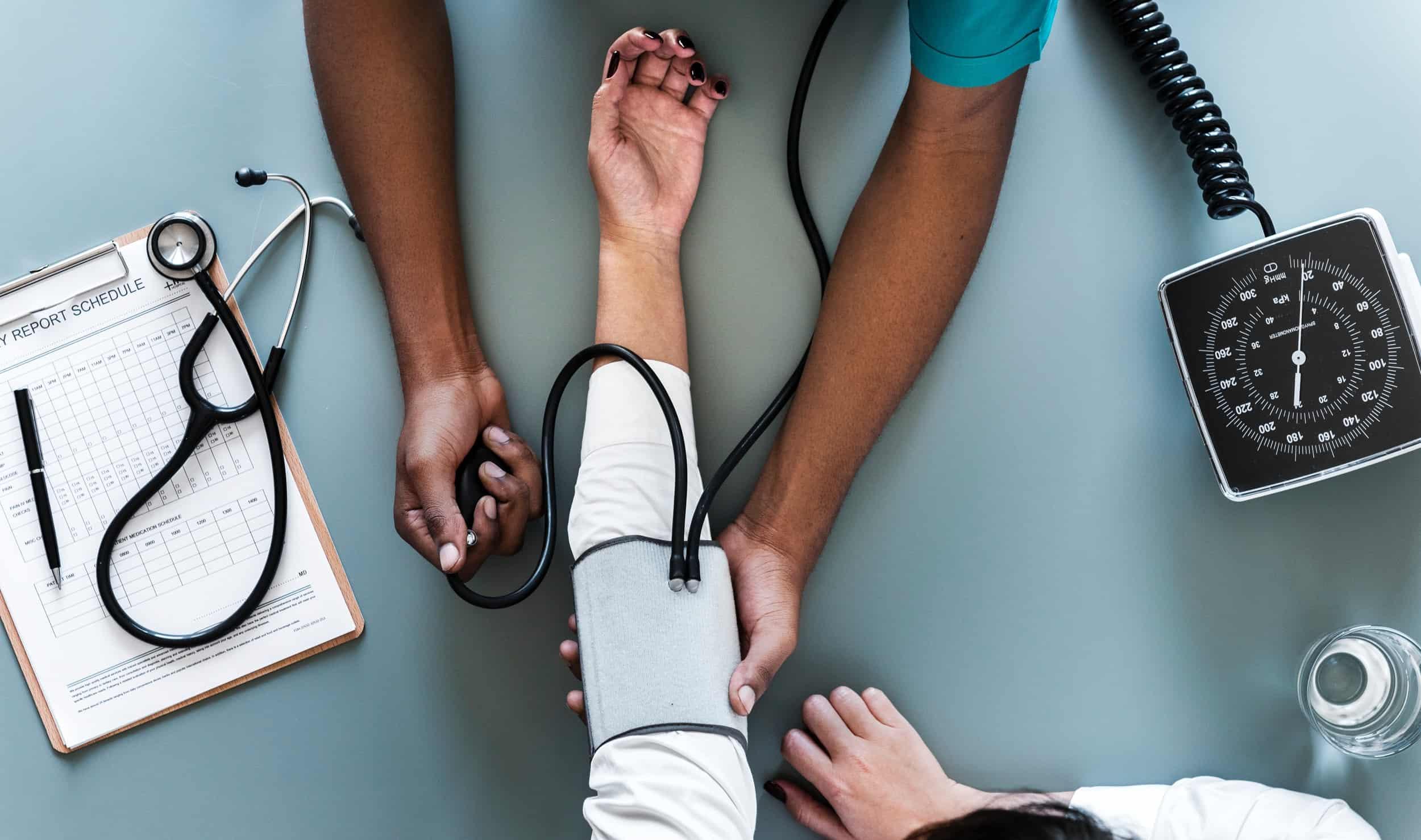Blutdruckmessgerät: Test & Empfehlungen (04/21)