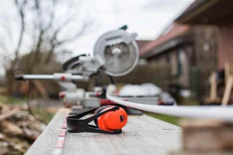 Gehörschutz auf Baustelle