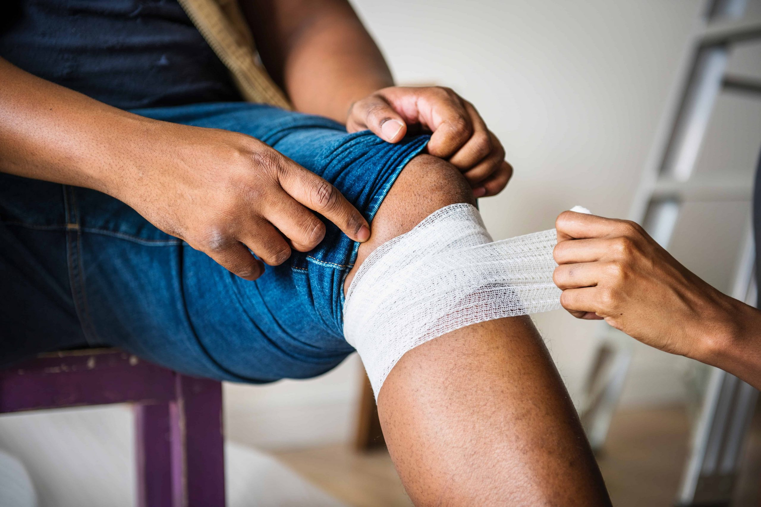 Schmerzen in der Kniekehle: Welche Ursachen haben sie?
