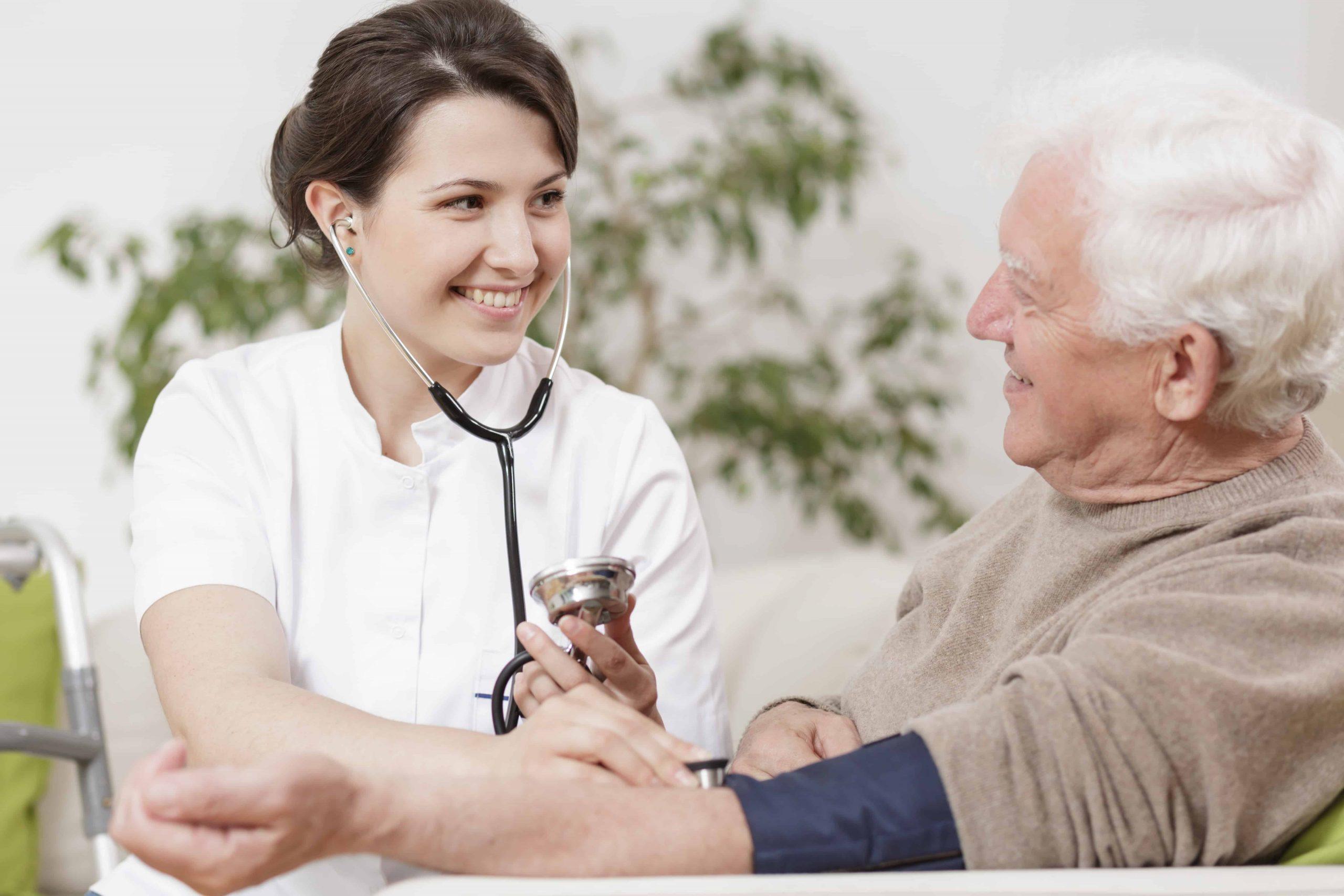 Blutdruck senken: Praktische Tipps gegen Bluthochdruck