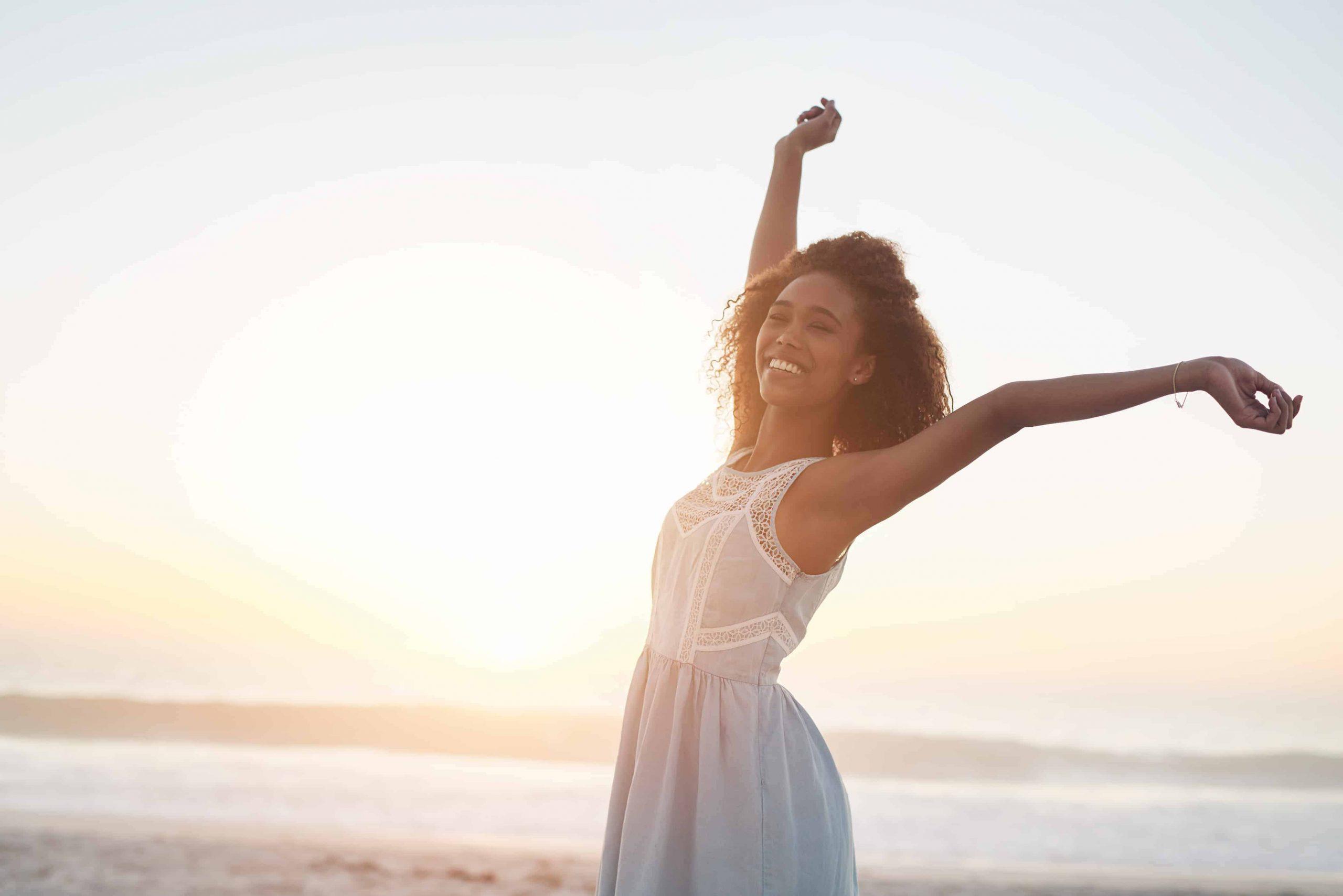 Glücklich sein: 10 Tipps und Aufgaben für alle Lebenslagen